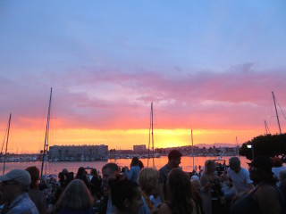 concert-MarinadelRey-Blue Oyster Cult06-sunset-crowd-
