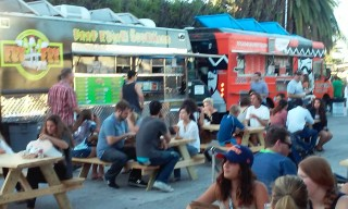 Food trucks at Palms picnice tables FryFry truck