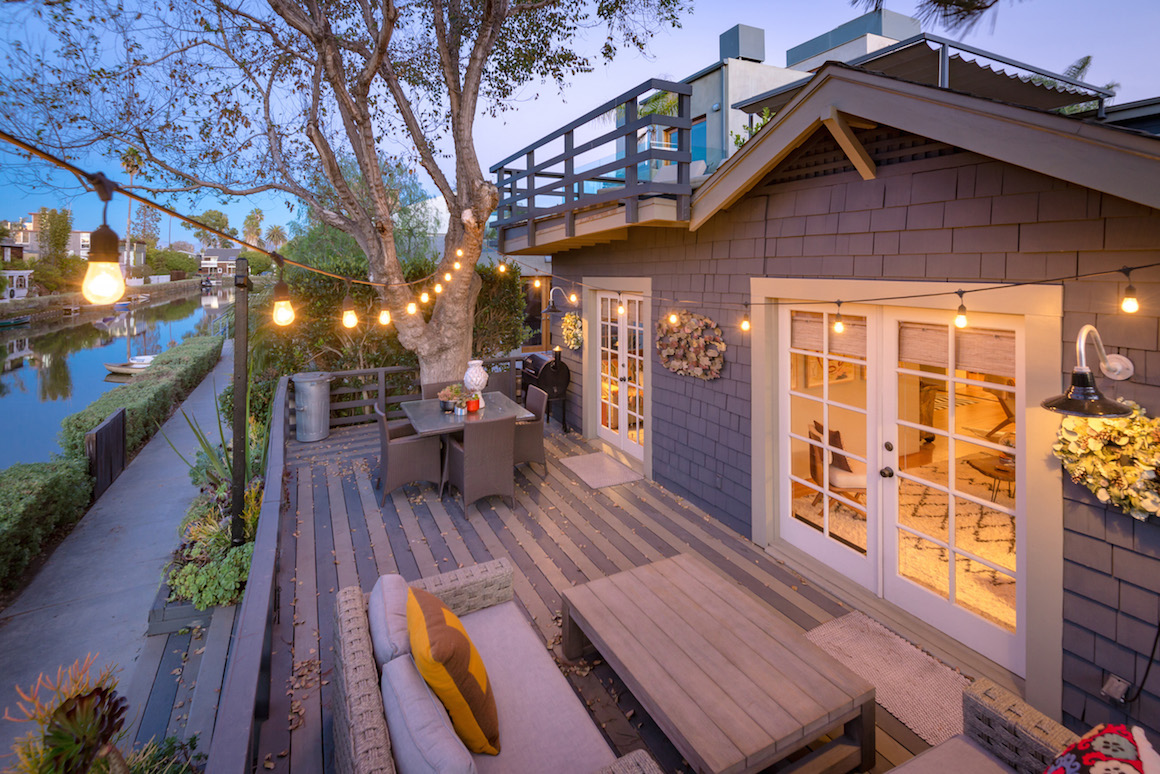 On Your Holiday Wish List Venice Canals Beach Bungalow