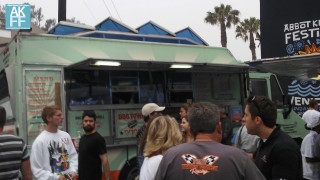 foodtruck-dogtowndogs-crowd-AKFF-6016