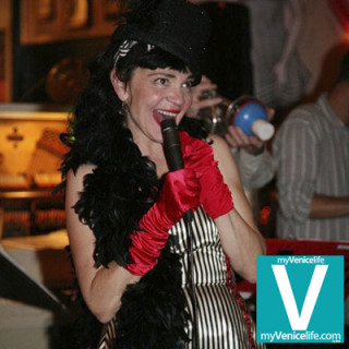 Suzy-Williams-singer-venice-0411-MyVeniceLife