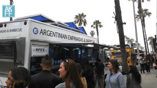 foodtruck-mapuche-crowd-AKFF-6016