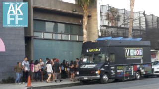 vchos-food-truck gets a long line early