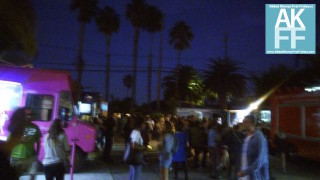 foodtruck crowd on Palms abbot kinney first fridays