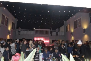 the kinney hotel crowd-AKFF
