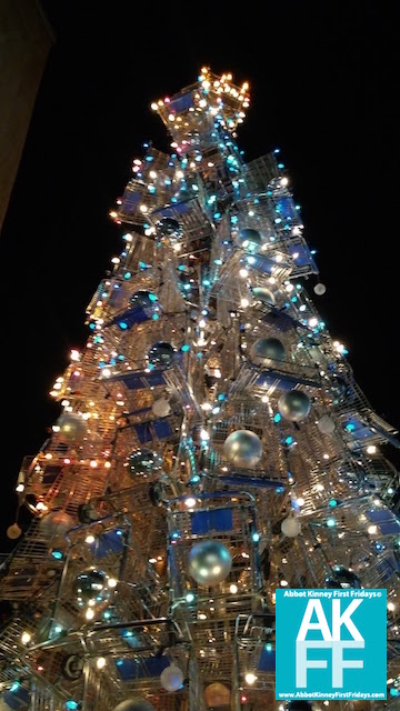 Shopping Cart Tree MAIN STREET TREE LIGHTING 2017-AKFF