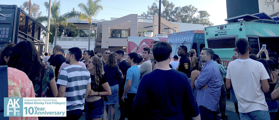 Feature Crowd At Brig Abbot Kinney View Abbotkinney1at 080318